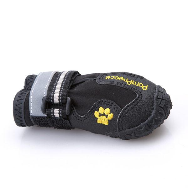 Zapato deportivo negro perros